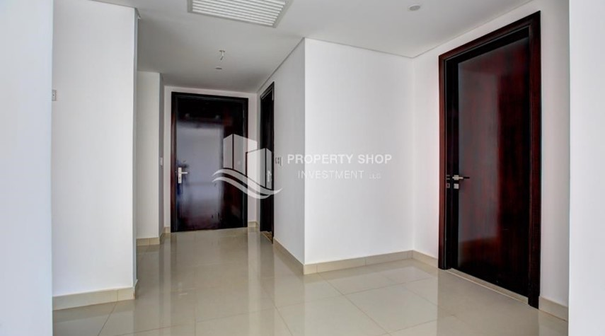 Foyer-Spacious 3 plus 1BR Apt in Mag 5 Residence.