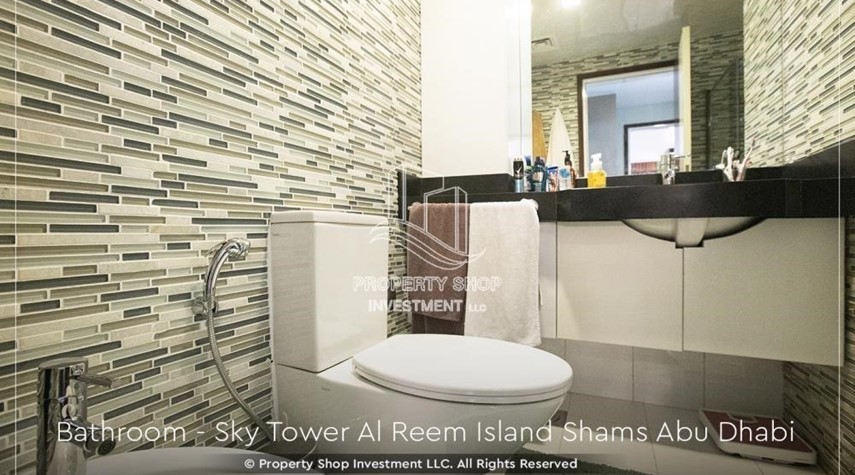 Bathroom-Own a high floor fully-furnished 2BR+M Apt with sea view plus skypod