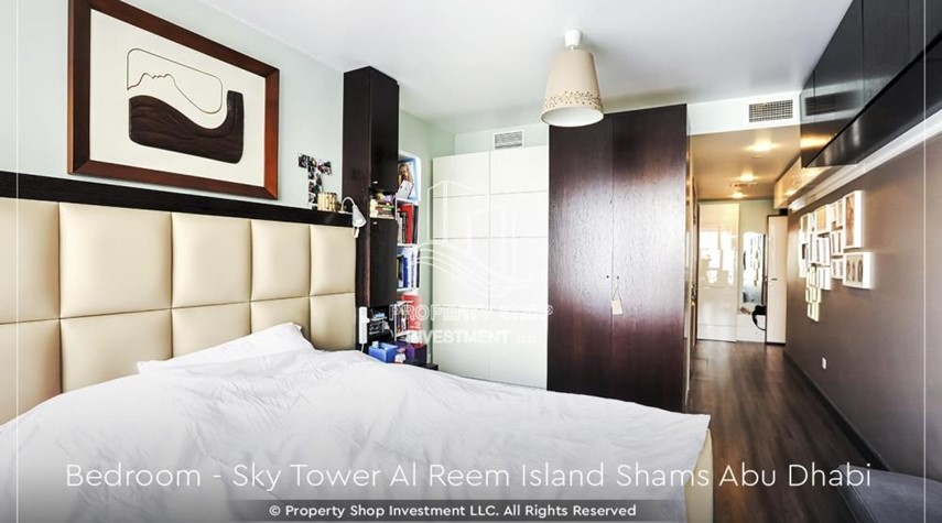 Bedroom-Own a high floor fully-furnished 2BR+M Apt with sea view plus skypod