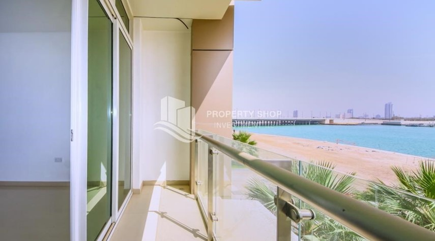 Balcony-High Floor 3+M BR Apt with huge layout.