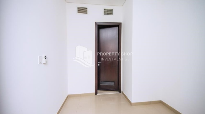 Maid Room-High Floor 3+M BR Apt with huge layout.