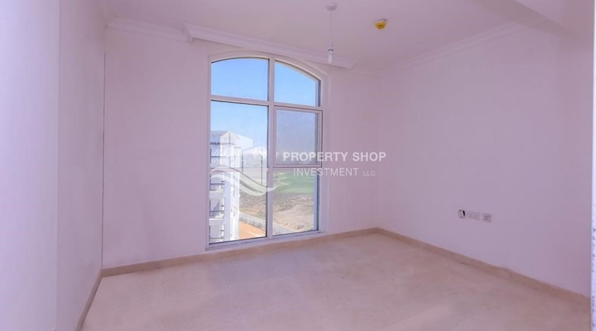Bedroom-Spacious 2 bedroom + maids with full golf and sea view