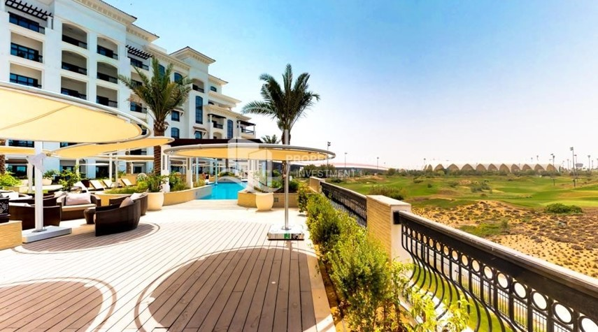 Community-Spacious 2 bedroom + maids with full golf and sea view