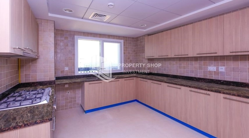 Kitchen-Spacious 2 bedroom + maids with full golf and sea view