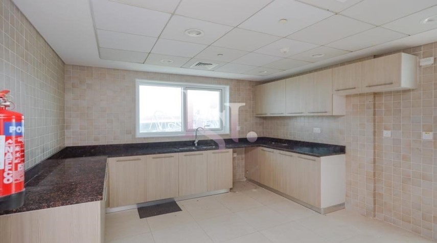 Kitchen-Stunning 3+Maid with Partial Golf Course & Ferrari World View