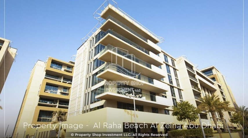 Property-2% Rent Free / Relaxing ambiance in 4 + Maid's room with Balconies!