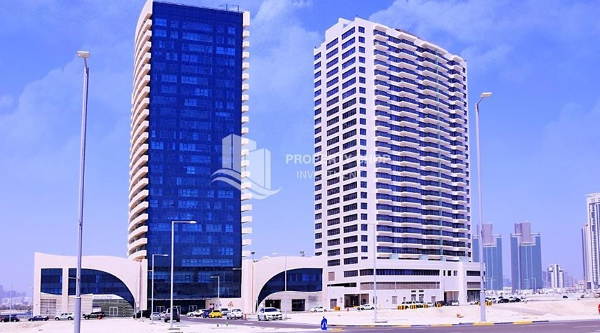 Property-High Floor Apt with Marina view.