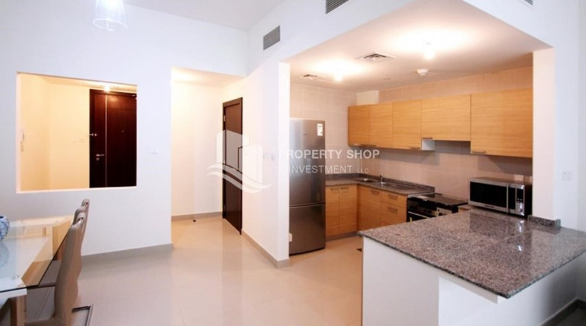 Kitchen-Sea View Apt on High Floor with high investment returns.