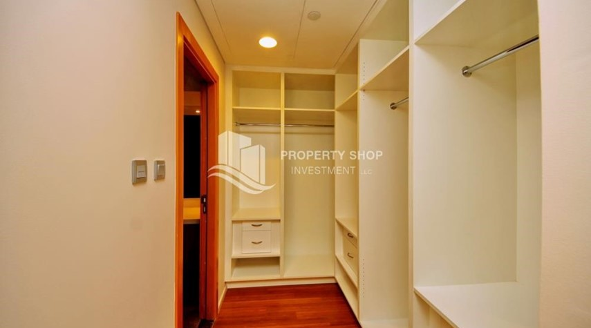 WalkIn Closet-4 Installments! Street view for 2 BR Apt with Zero commission.