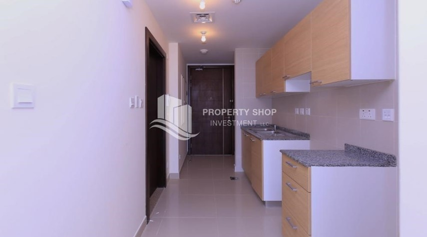 Kitchen-Sigma Tower, Studio apartment for rent