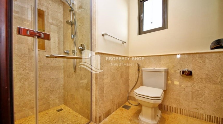Bathroom-Independent Villa With Large Terrace Overlooking Community