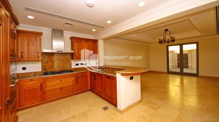 Kitchen-Independent Villa With Large Terrace Overlooking Community