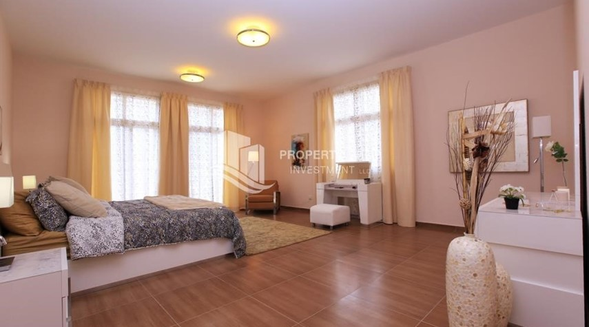 Bedroom-Stunning Villa w/ great facilities for sale