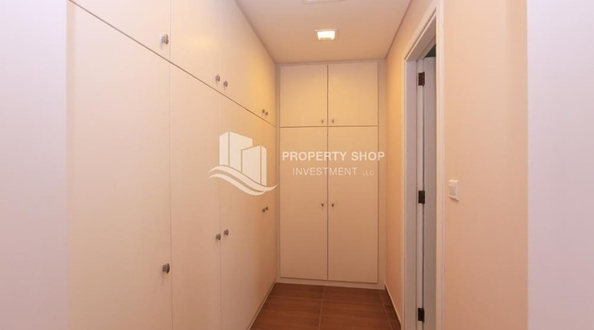 Built in Wardrobe-Stunning Villa w/ great facilities for sale