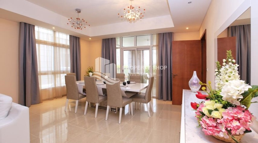 Dining Room-Stunning Villa w/ great facilities for sale