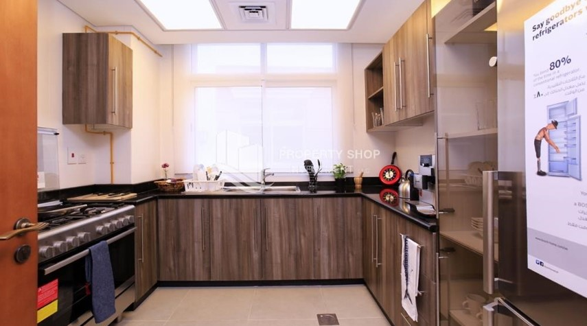 Kitchen-Stunning Villa w/ great facilities for sale