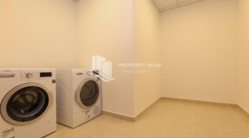 Laundry Room-Stunning Villa w/ great facilities for sale