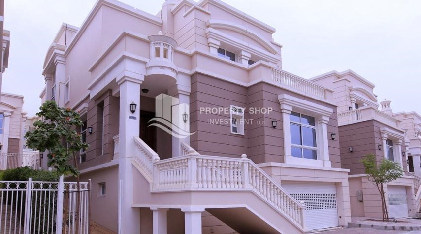 Property-Stunning Villa w/ great facilities for sale
