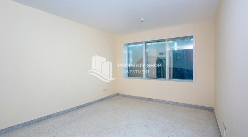 Bathroom-Prestigious 3 Bedroom Apartment in Corniche Area for rent.