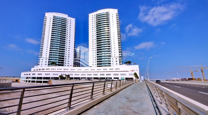 Property-Spacious 3 Bedroom Apartment in Amaya Tower Available now!