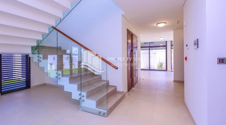 Foyer-4BR+M with Driver's room and external landscaped garden.