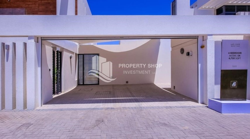 Parking-4BR Villa with Great Offer for Sale