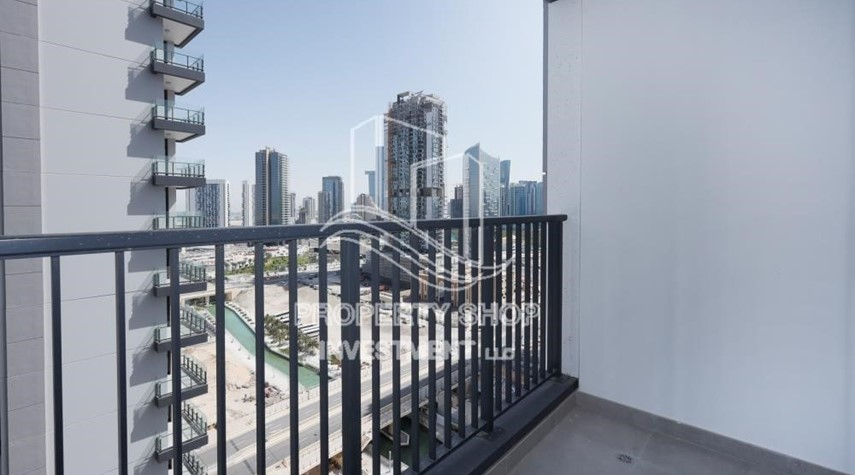 Balcony-1BR apartment with Pool view for sale in The Bridges!