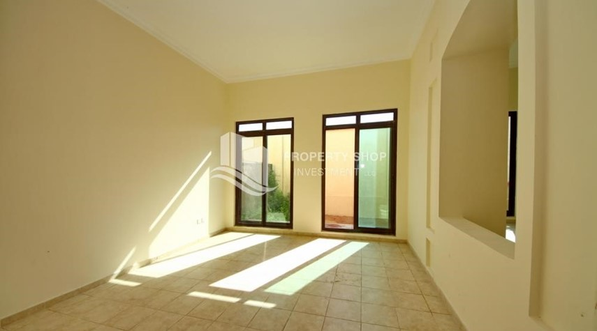 Dining Room-Zero Commission, Ready to Move In !! 4+M Villa with Gym, Pool and Flexible 12 Payment Options