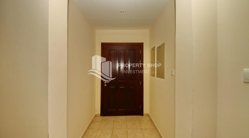 Foyer-Zero Commission, Ready to Move In !! 4+M Villa with Gym, Pool and Flexible 12 Payment Options