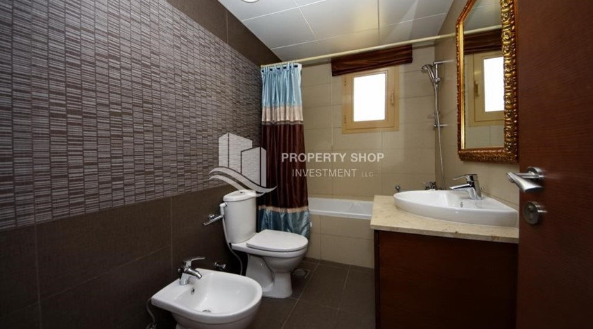 Bathroom- 5 BR In Prestigious Community with private pool and extended outside kitchen