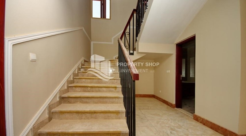 Stairs-Experience the relaxing ambiance of 5BR Villa in Golf Gardens