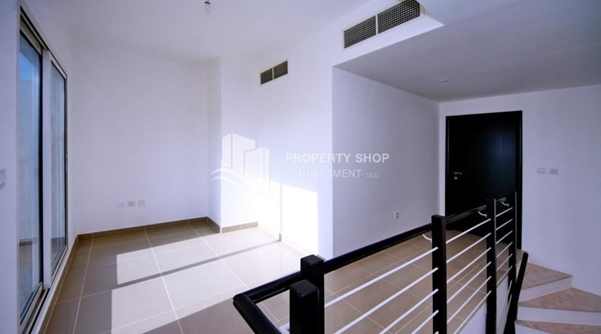 Study-High End Living in a 3BR with Study Villa.