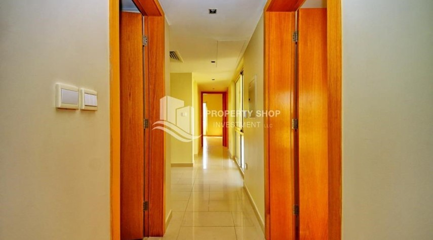 Corridor-Huge 4br+Maid Townhouse with Rental Refund