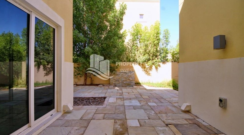 Courtyard-Huge 4br+Maid Townhouse with Rental Refund